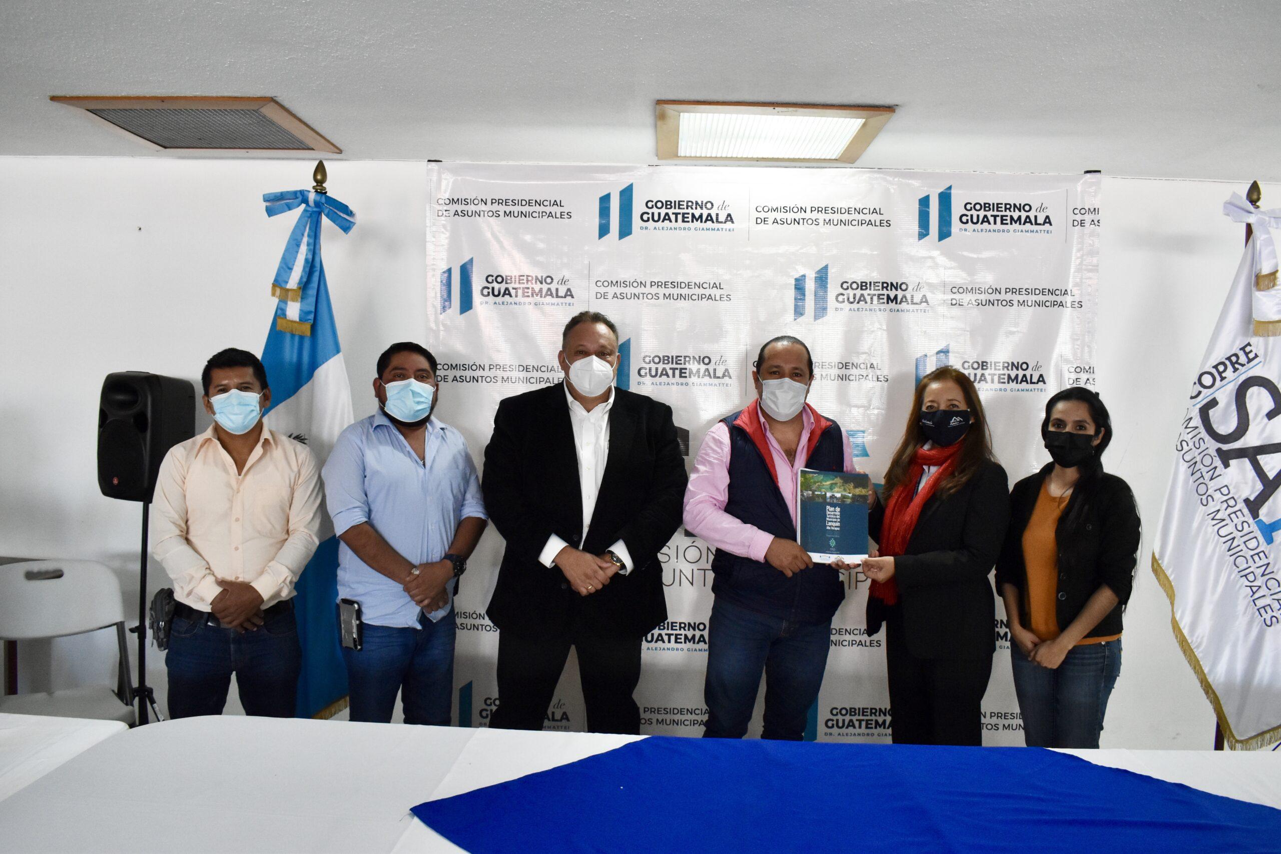 Miembros del Comité Turístico de la Municipalidad de Lanquín, Alta Verapaz, son atendidos por Copresam para el seguimiento a proyectos.
